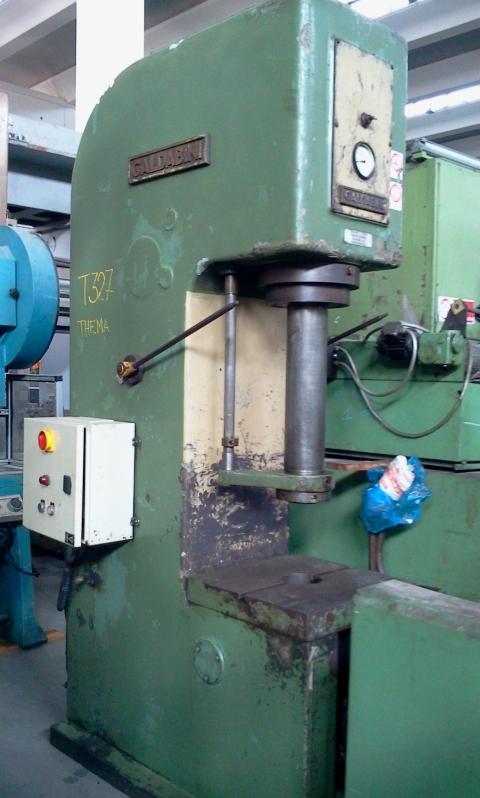 Galdabini 30 ton for Pressa idraulica per officina usata