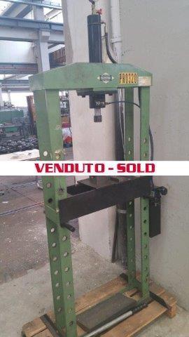 Cizeta 10 ton for Pressa idraulica per officina usata